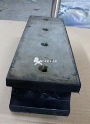 中联压路机减震块(进口)111280