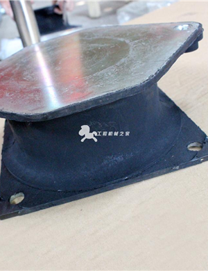 戴纳派克cc524压路机减振块(进口)
