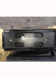 宝马格BF800C摊铺机分体履带板胶块 300长