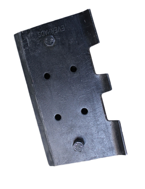 VOGELE  SUPER1900 Rubber track pads with bolt on